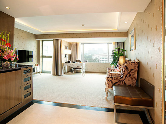 Deluxe Executive Suite(minimum of 2 nights)[with breakfast]