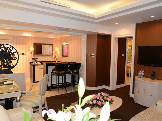Executive Deluxe Suite