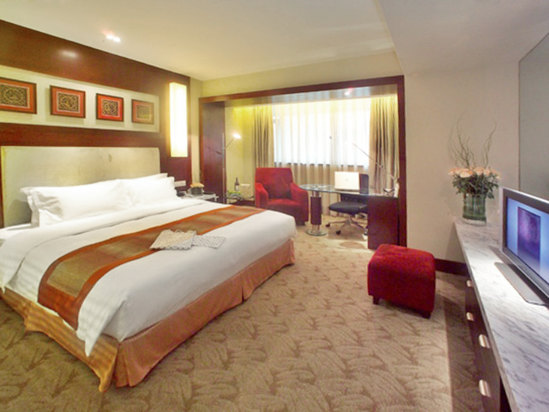 Holiday Inn Superior Room(minimum of 2 nights)[with breakfast]