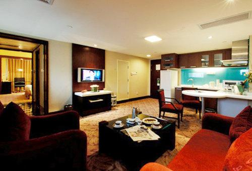 Executive Suite(minimum of 2 nights)