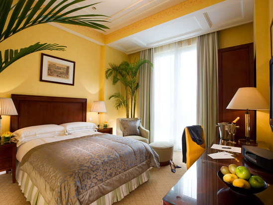 Deluxe Queen Room(14 days advanced booking)[with breakfast]