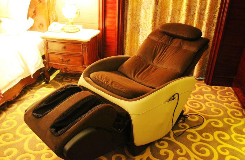 21F总统套房卧室按摩椅