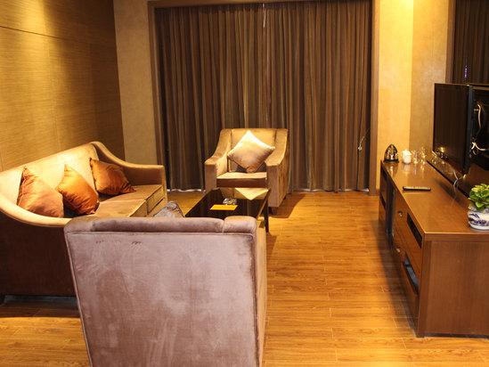Qianhe Suite