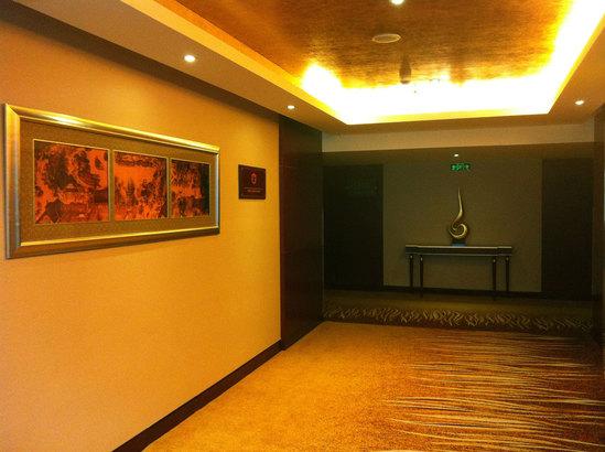 行政楼层走廊