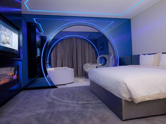 科幻大床房