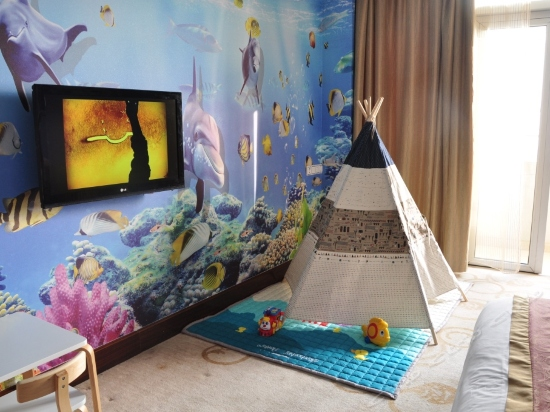 Finding Nemo Family Theme Room