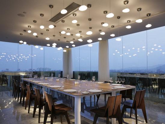 霁廊餐厅夜景