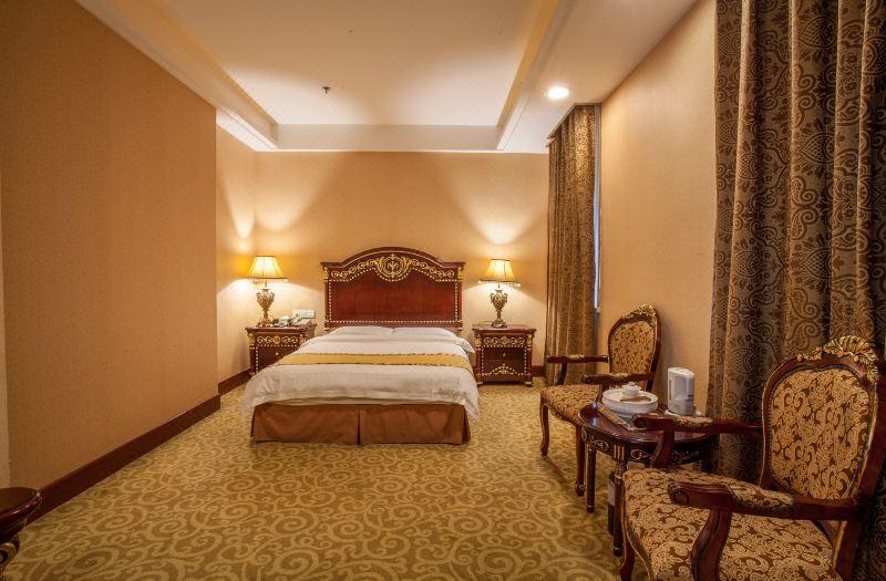 Venice Villa Standard Queen Room