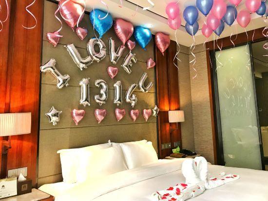 浪漫布置房