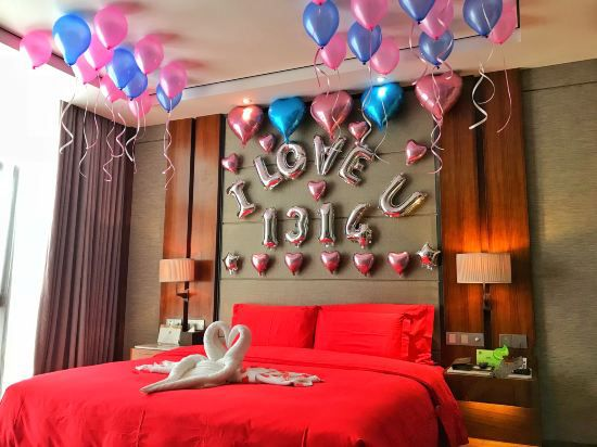 Romantic Decorated Suite