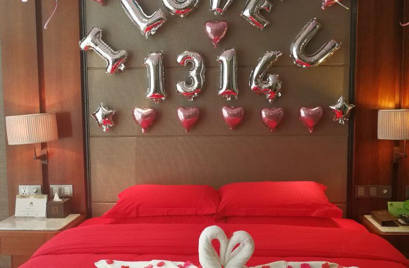 浪漫布置套房