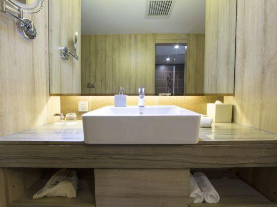 Wooden Twin Room