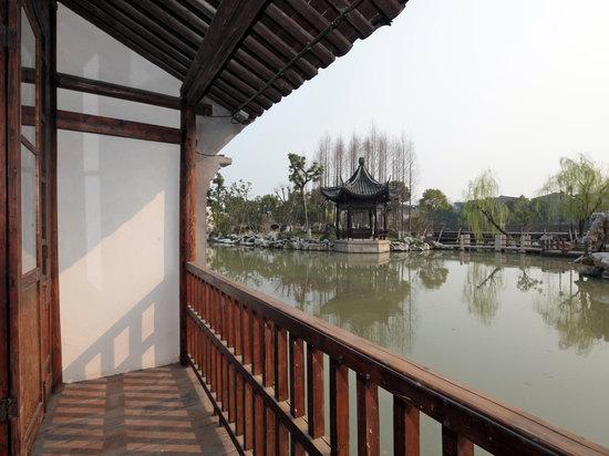 望津里阳台大床房