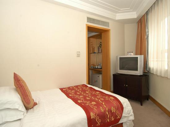 Single Corner Room