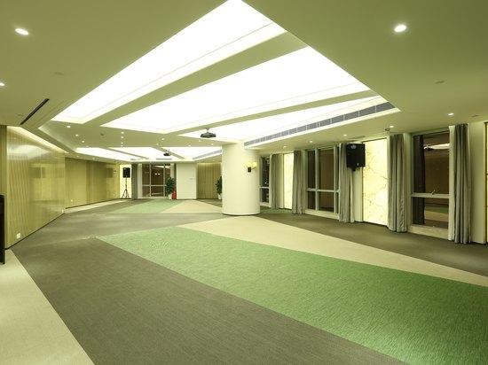 会议室-中南厅(80-100人)