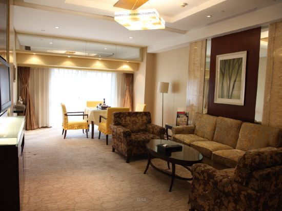 Western International Trade Executive Suite