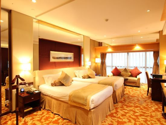 Western Trade Deluxe Twin Room