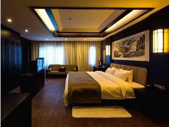 豪華機景大床房