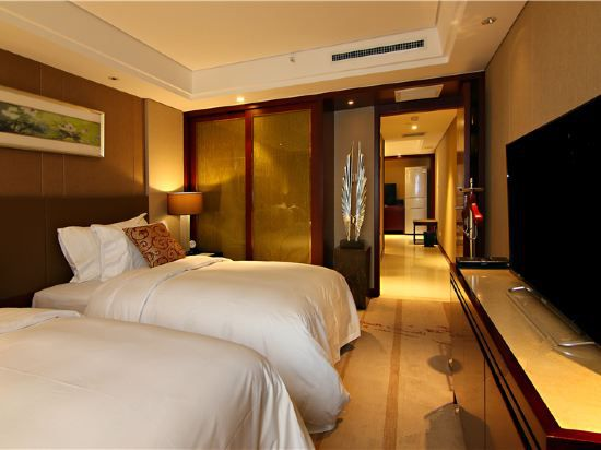 Superior  Twin  Suite