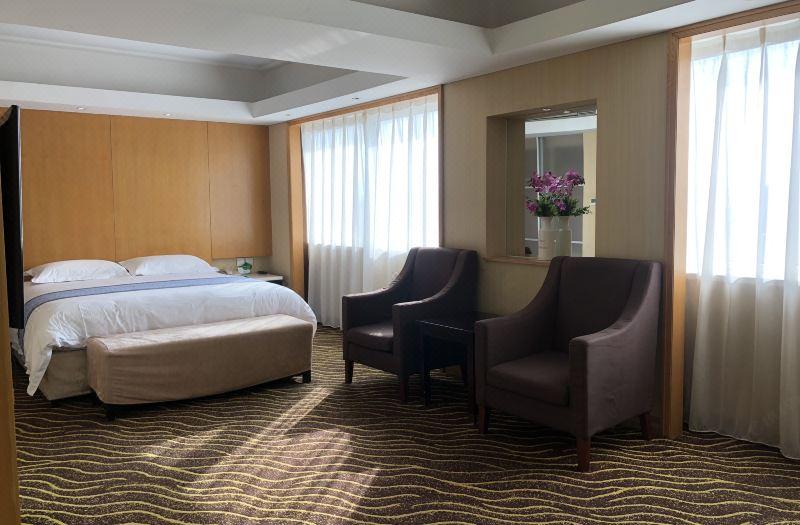 Fresh Large Suite