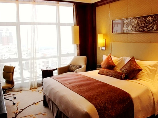 Executive Garden-view Room