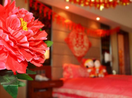 浪漫主题婚房