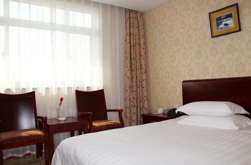 Queen Room A