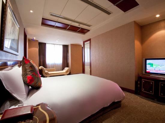 Villas Queen Room