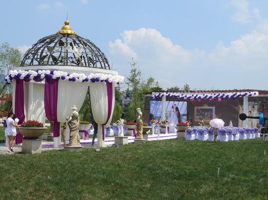 草坪婚礼广场