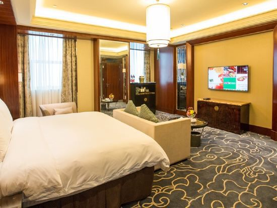 Yuehua Suite