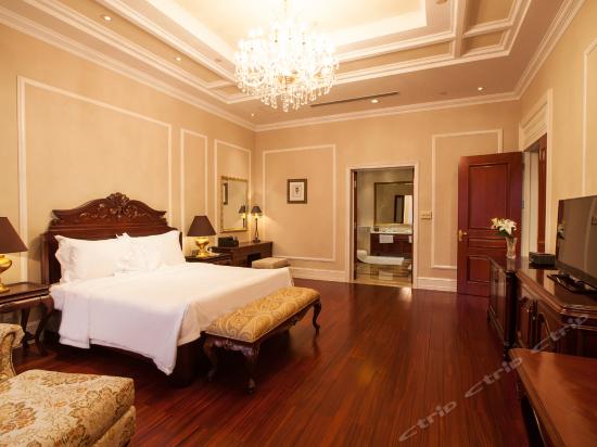 Villa Deluxe Suite