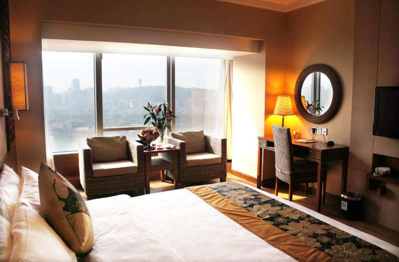 Superior Lake-view Room