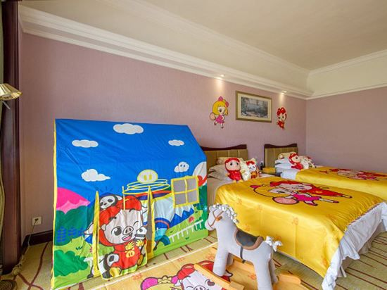 Pig cool bud Twin Room