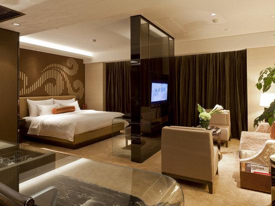 豪华至尊大床房