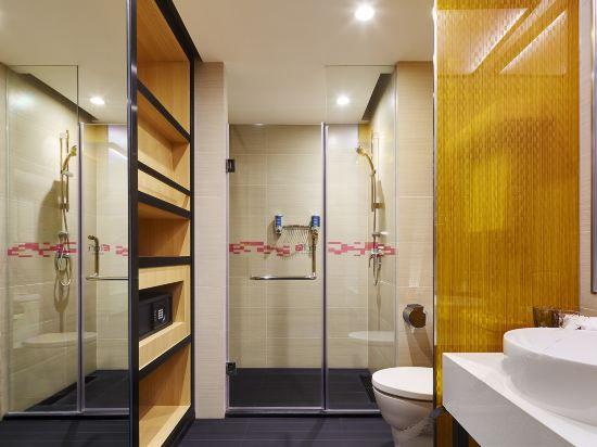 Allure Room