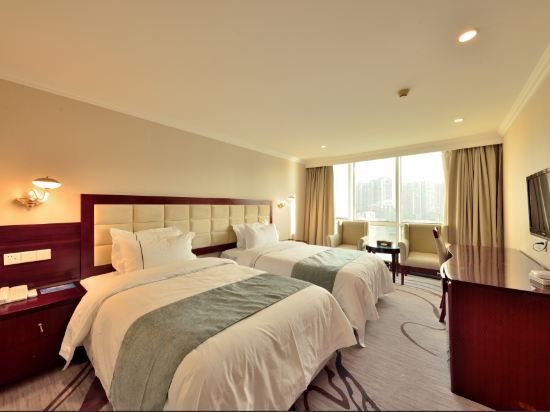 Superior River-view Twin Room