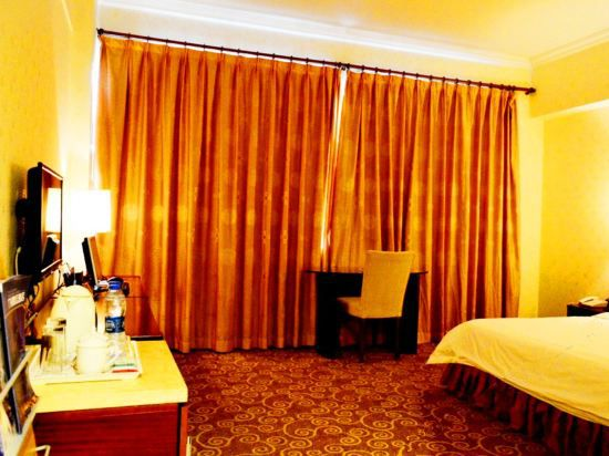 Superior Business Queen Room