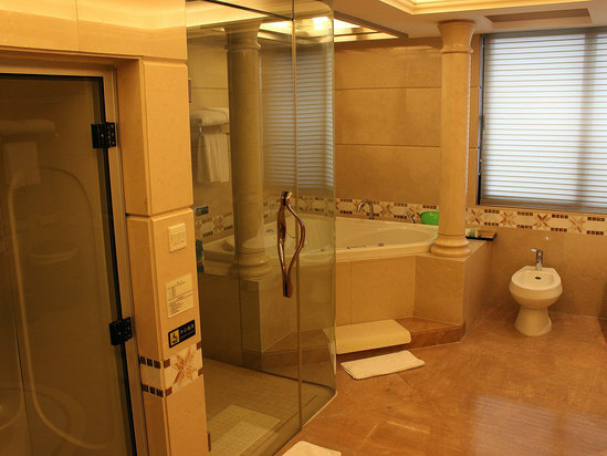 總套浴室桑拿