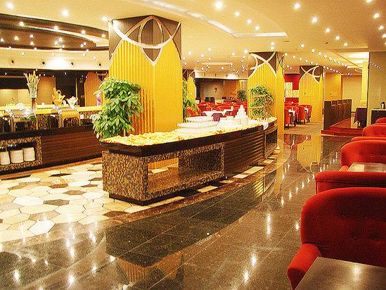 二樓希拉里西餐廳
