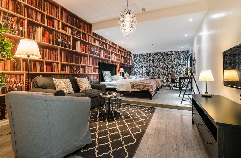 Retro style Twin Room
