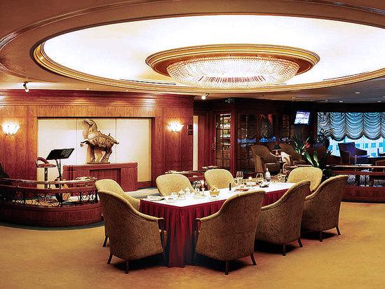 聚贤阁红酒及雪茄西餐厅