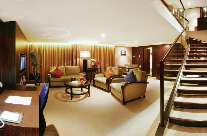 Executive Multi-level  Queen Room  Suite