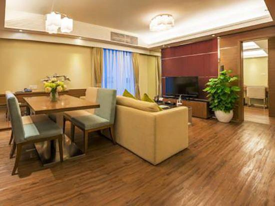 温馨城景两房公寓