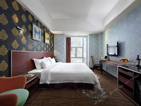 Villa A Superior Queen Room