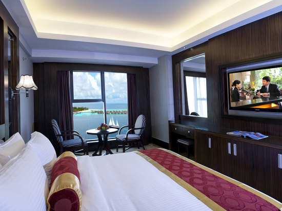 Deluxe Ocean-view Queen Room