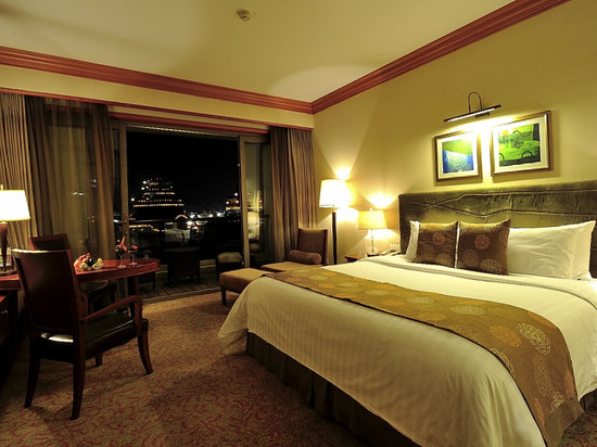 Kaiyuan Lake View Room