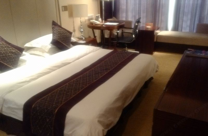 Executive Deluxe Queen Room