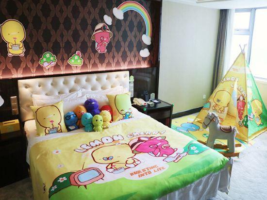 小鸡彩虹酷芽主题大床房