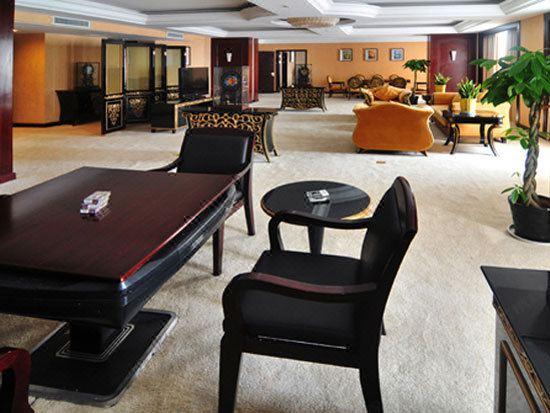 Sheng Shi Suite