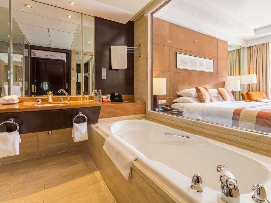 迎賓樓豪華大床房